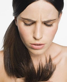 cosa fare per capelli secchi e sfibrati