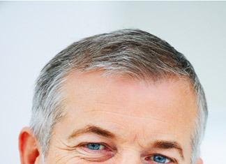 Cause-rimedi-invecchiamento-capelli