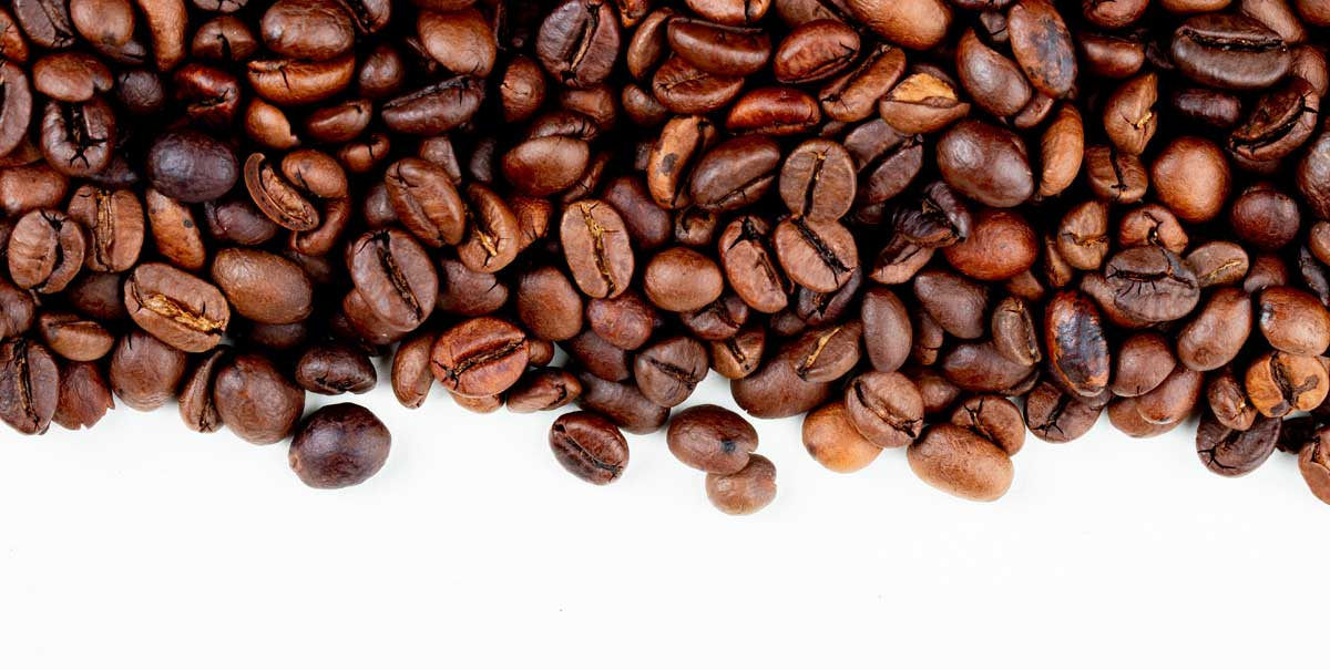 Lo shampoo alla caffeina infoltisce effettivamente i capelli?
