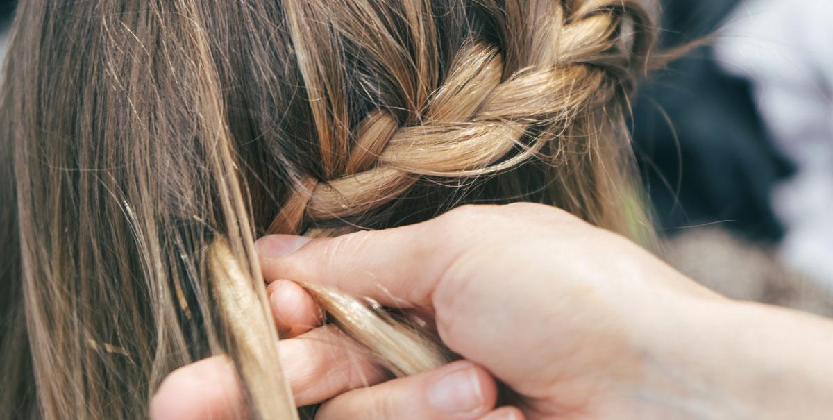 Alopecia da trazione: attenzione alle acconciature che indeboliscono i capelli