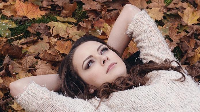 La caduta di capelli avviene maggiormente in estate ed in autunno, lo rivela uno studio