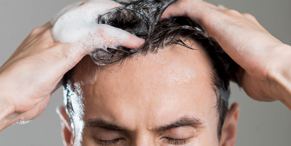 Prodotti detergenti per capelli: quali principi attivi devono contenere?